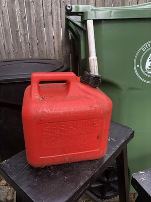 Gas Cans Available for Sale in Elizabeth, NJ