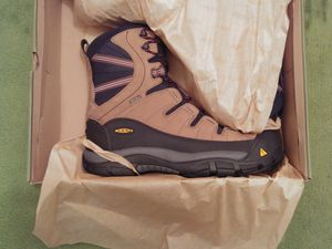 Keen Summit County Waterproof Winter Boots for Sale in Monsey, NY