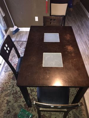 Kitchen Table & 4 chairs for Sale in Las Vegas, NV