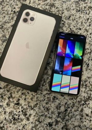 Iphone 11 Pro Max - 256GB - Silver (Unlocked) for Sale in Chicago, IL