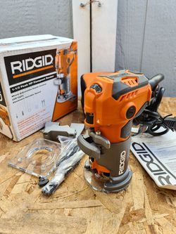 Ridgid 5.5 Amp Corded Compact Fixed-Base Router for Sale in Snohomish,  WA