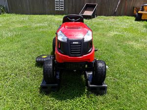 Huskee riding lawn tractor for Sale in Wahneta, FL