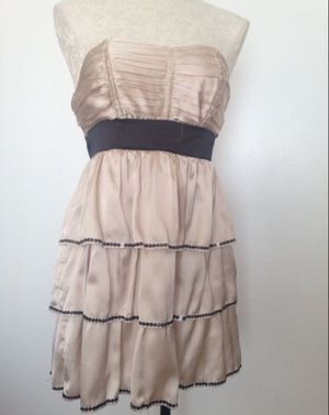 Homecoming Prom Bridal Shower Baptism Ladies Dress Beige Black silky strapless tube flowy dress (Please READ) size 4 for Sale in Chula Vista, CA
