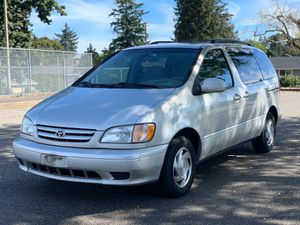 2002 Toyota Sienna for Sale in Tacoma, WA