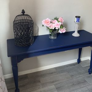 Beautiful Farmhouse Entry Console Table for Sale in Peoria, AZ