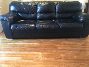 Pull out (Queen size bed) Couch for Sale in Silver Spring, MD