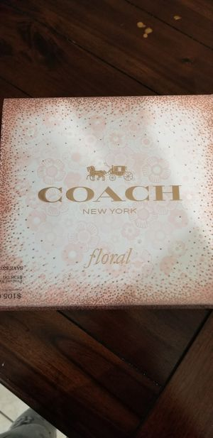 Free Coach Floral Perfume Box for Sale in Orlando, FL