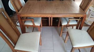 Kitchen table, 6-chairs and 2 leaves for Sale in Boynton Beach, FL