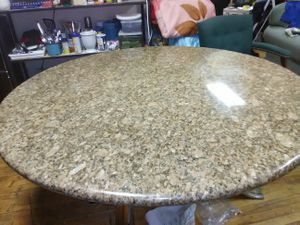 """Marmol table 60""""round. for Sale in Chicago, IL"""