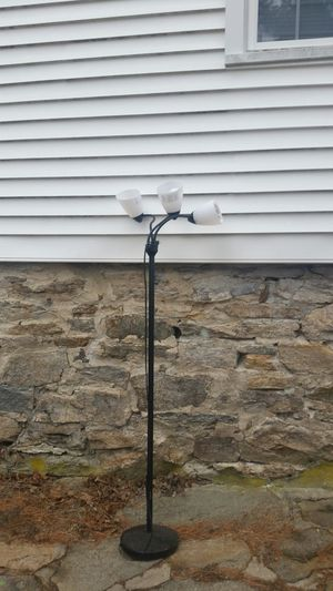 Floor lamp in good working condition 40 or best offer for Sale in Trumbull, CT