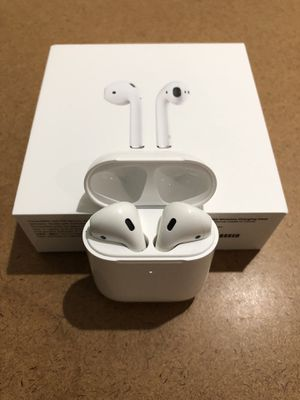 Apple AirPods 2 w/ Wireless Charging for Sale in Boca Raton, FL