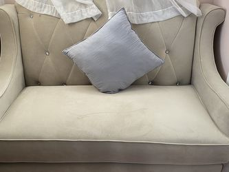 Small couch for Sale in Revere,  MA