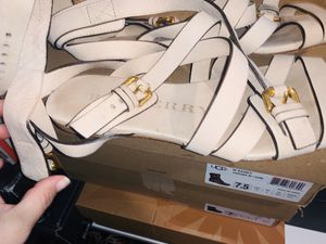 Authentic Burberry sandals for Sale in Menifee, CA