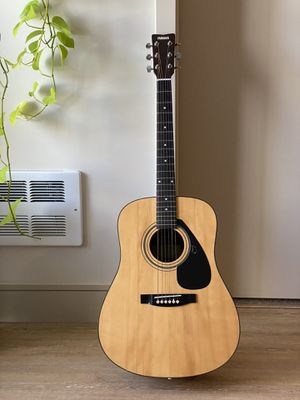 Yamaha classical guitar for Sale in Oakland, CA