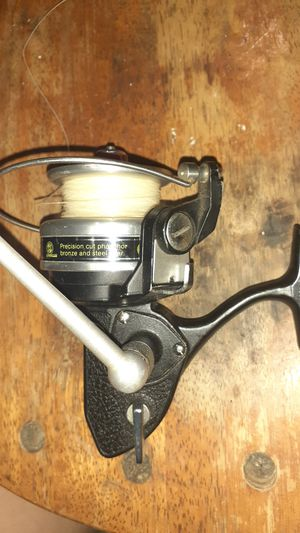 Vintage fishing reel for Sale in Chicopee, MA