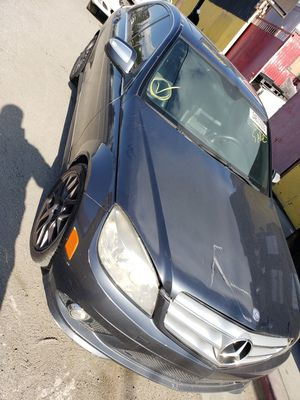 Mercedes Benz C300 2009 for parts only for Sale in Carson, CA