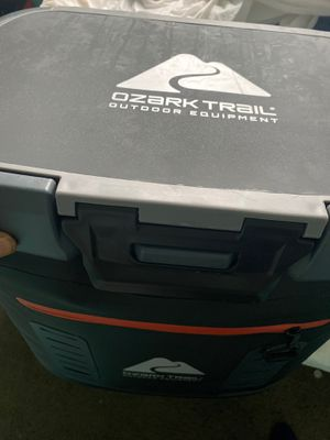 Right seal cooler for Sale in Euclid, OH