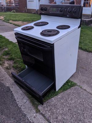 Free Oven for Sale in Steubenville, OH
