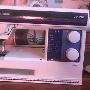 Husqvarna Sewing Machine for Sale in Covington, KY