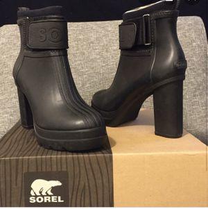 Sorel Medina III Snow / Rain Boot Size 10 for Sale in Corona, CA