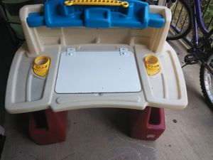 Kids Desk (PICK UP ONLY) for Sale in Fort Worth, TX