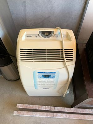 9000 BTUs DeLonghi standing air conditioner for Sale in San Diego, CA