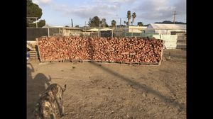 Firewood seasoned eucalyptus for Sale in Nuevo, CA