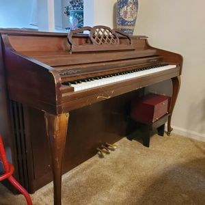 Piano - FREE for Sale in Greenwood, IN