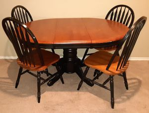 Wood Dinning Table for Sale in Carrollton, TX