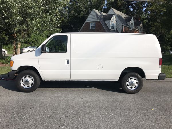 2006 Ford e250 cargo work van in great condition