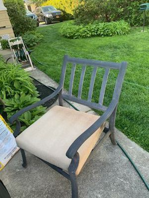 Outdoor Furniture Set for Sale in Roslyn Heights, NY