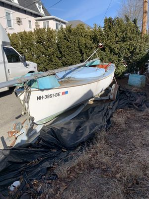 Nice boat need clean for Sale in Gloucester, MA