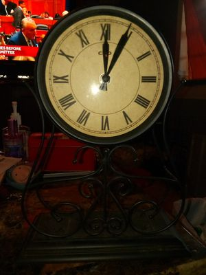 Antique clock for Sale in Spartanburg, SC