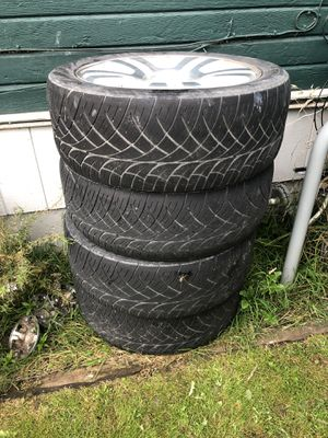 "22"" Wheels - 2 tires are flat for Sale in Stanwood, WA"