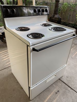 Whirlpool Stove and Dishwasher for Sale in Dallas, TX