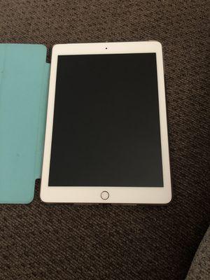 iPad 6th Gen 32 GB for Sale in Fishersville, VA