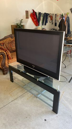 """50"""" Samsung TV with Stand for Sale in Sterling Heights, MI"""