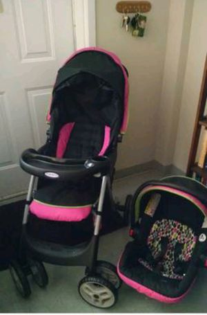 Baby girls graco car seat and stroller set great condition for Sale in Phoenix, AZ