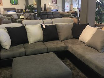 2 PCS Sectional Black And Grey for Sale in Mont Clare,  PA