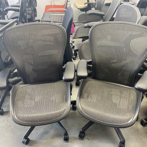 HERMAN MILLER AERON CHAIRS SIZE C $500 EACH FULLY LOADED BRAND NEW POSTURE FIT PAD for Sale in Los Angeles, CA