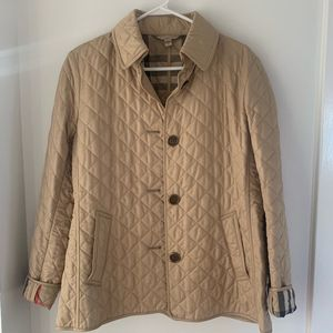 NWOT Burberry Women's Beige Quilted Check Jacket for Sale in Chicago, IL