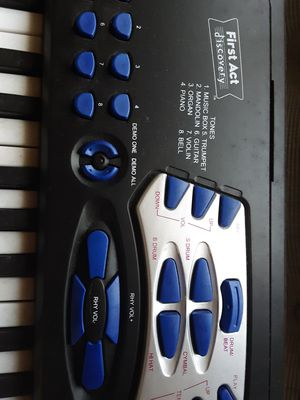 First Act Discovery Keyboard for Sale in Neenah, WI