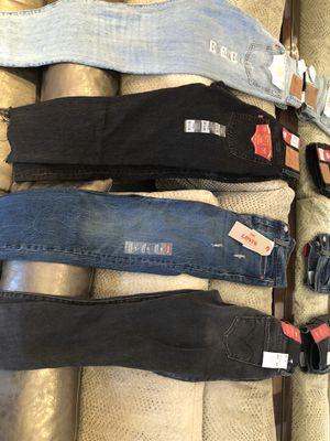 Levi size 25 jeans for Sale in Miami, FL