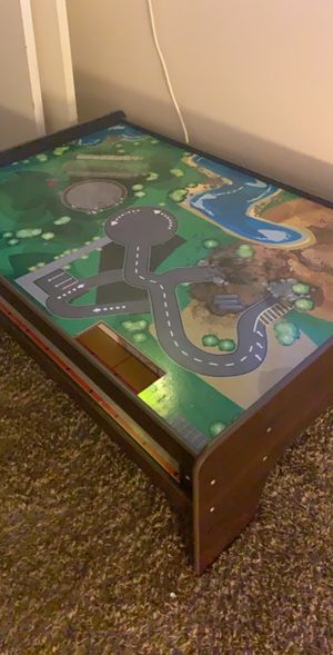 Train Table great condition for Sale in Victorville, CA