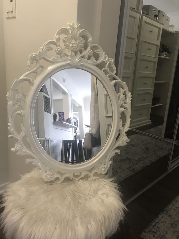 Decorative mirror NEED GONE TODAY
