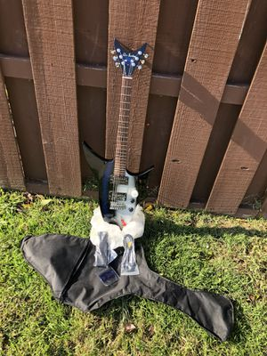 Electric guitar full size for Sale in Livermore, CA