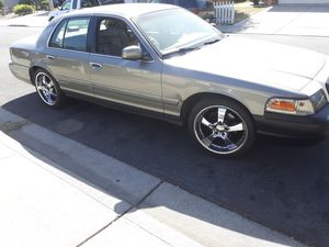 2000 Ford Crown Victoria for Sale in Pittsburg, CA