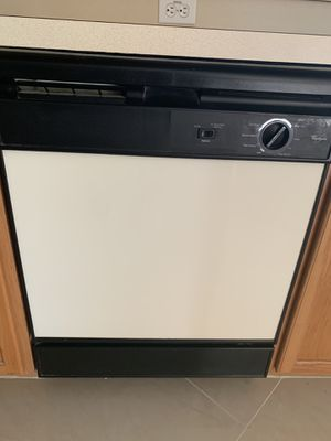 Dishwasher (free) for Sale in Kissimmee, FL