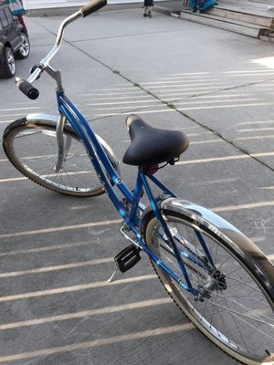"26"" woman cruiser bike for Sale in Sterling Heights, MI"