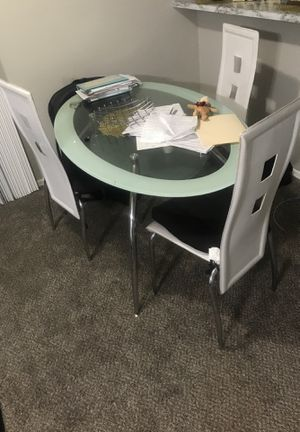 White Glass dining table for Sale in El Mirage, AZ